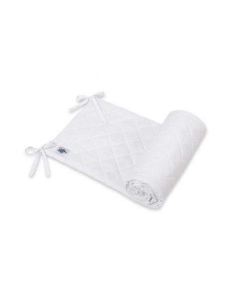 Uniwersalny pikowany ochraniacz do łóżeczka - biały
